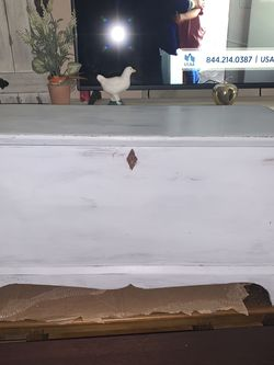 OLD SOLID WOOD HAND MADE CHEST/TOYBOX /STORAGE for Sale in Orlando,  FL