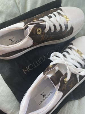 LV Shoes for Sale in Detroit, MI