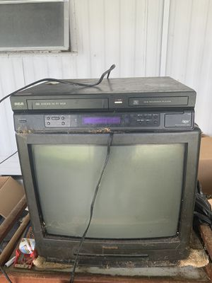 Tv and DVD player for Sale in Largo, FL
