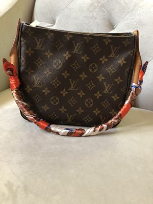 Authentic Louis Vuitton Looping Bag for Sale in San Mateo, CA