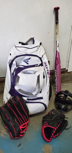 Softball Set for Sale in Federal Way, WA