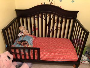 Crib/toddler bed w/o mattress for Sale in Crofton, MD
