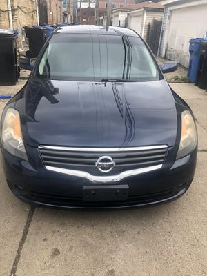 Nissan Altima automatic 2009 140miles for Sale in Chicago, IL