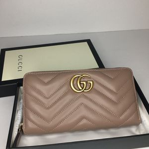 Gucci Continental Zip Long Wallet for Sale in Indianapolis, IN