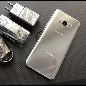 Samsung Galaxy S8 - just like new, factory unlocked, clean IMEI for Sale in Alexandria, VA