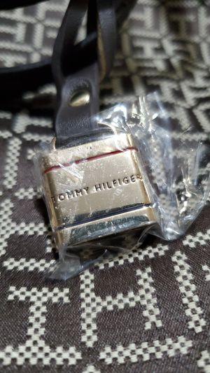 TOMMY HILFIGER WOMMENS JACQUARD CROSSBODY PURSE. for Sale in Bayonne, NJ