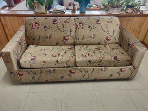 Sofa Bed. Good condition. Free for Sale in NEW PRT RCHY, FL