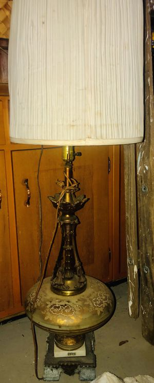 Vintage antique lamp for Sale in Columbus, OH