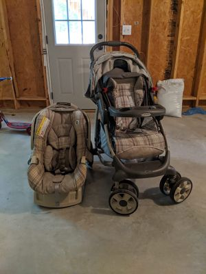 Grace car seat and stroller for Sale in Cumming, GA