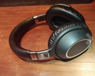 Sennheiser PXC 550 for Sale in Seattle,  WA