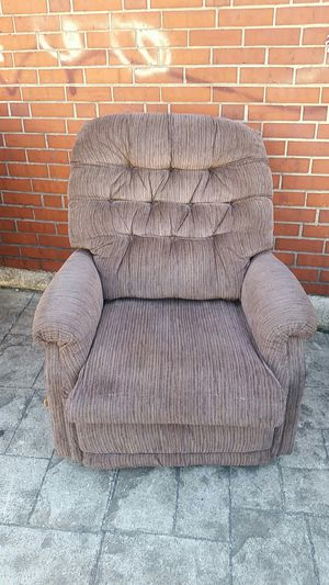 reclining chair for Sale in Baltimore, MD