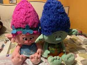 Trolls (poppy y branch) grandes de peluche for Sale in Los Angeles, CA