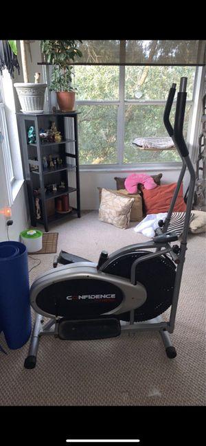 Elliptical workout machine for Sale in Altamonte Springs, FL