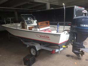 1987 Boston whaler in excellent condition for Sale in Lawrence, MA