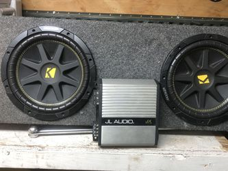 2 10 inch Speakers And Amp for Sale in Sacramento,  CA