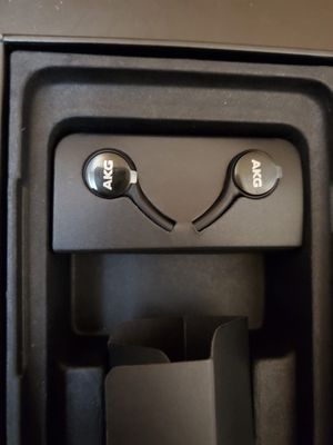 Akg headphones wired original for Sale in Queens, NY