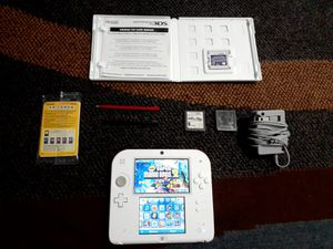 Nintendo 2DS Super Mario Bros. 2 Console Bundle - Scarlet Red With 4 Games for Sale in Hillcrest Heights, MD