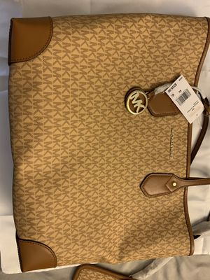 Brand New! Michael Kors Large Tote Bag & Wallet for Sale in San Diego, CA