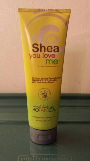 Australian Gold Shea You Love Me tanning lotion for Sale in Chicago, IL