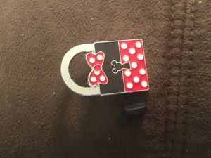 LIMITED RELEASE Minnie Mouse Padlock Disney Trading Pin for Sale in Davenport, FL