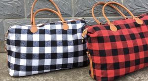 Plaid weekender bag 22x15x8 for Sale in Glendora, CA