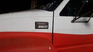 GMC truck 2000 hevy dury 189000 mealege for Sale in Smyrna, GA