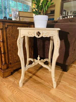 Shabby Chic Accent Table for Sale in Redmond, WA