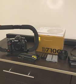 NIKON D7100 WITH 50mm F/1.8 LENS + 3 BATTERIES + EXTRAS for Sale in Orlando,  FL