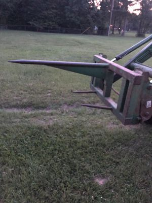 John Deere round bale spear for Sale in Magnolia, TX
