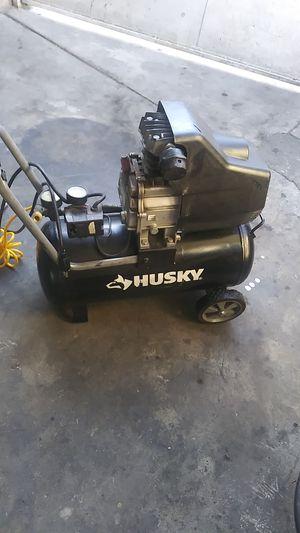 Husky 8 gallon compressor for Sale in Phillips Ranch, CA