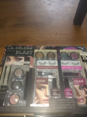 2 sets of makeup for Sale in Manchester Township, NJ