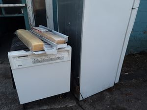 GE Refrigerator & Kennmore Dishwasher for Sale in Vancouver, WA