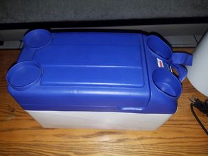 Thermo Electric car auto 12V cooler warmer for Sale in Des Plaines, IL
