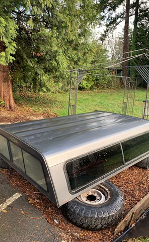 Fiberglass canopy for a 8foot bed great shape does not leak for Sale in Gresham, OR
