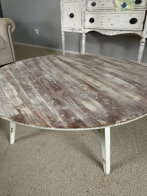 round coffee table for Sale in Clayton, NC