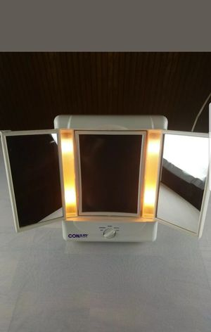 Conair Two Sided Makeup vanity Mirror w/4 Light Settings for Sale in Houston, TX