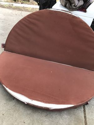 Free hot tub cover for Sale in Escondido, CA