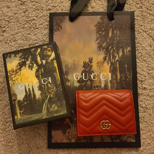 Gucci Marmont card holder wallet for Sale in Marysville, WA