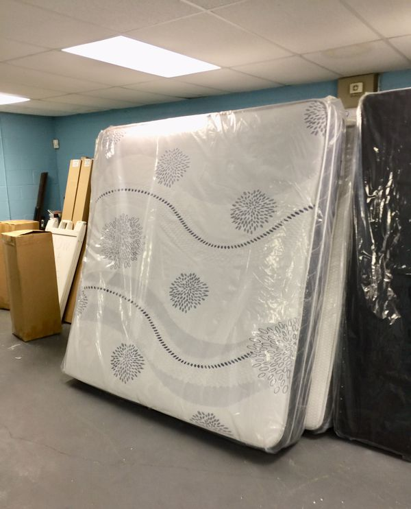 Check Out Low Low Low Mattresses Sale!!!! At Star 🌟 Furniture!!!!