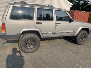 01 jeep cherokee sport for Sale in Coram, NY