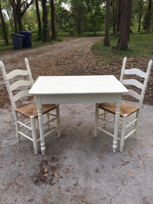 Shabby chic breakfast nook table and chairs for Sale in Land O Lakes, FL