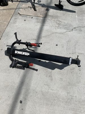 Yakima 2 bike rack fort both size hitches for Sale in San Diego, CA