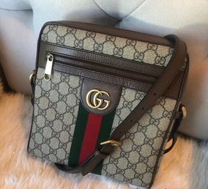 Authentic Gucci shoulder bag for Sale in Houston, TX