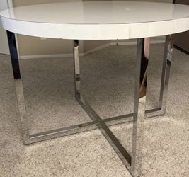"""Dining Room Table. Chrome Base With Vanner Top . 42""""by 32"""" $127.00 for Sale in Los Angeles,  CA"""
