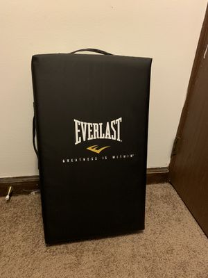 Everlast Punching bag / MMA strike shield for Sale in Columbus, OH