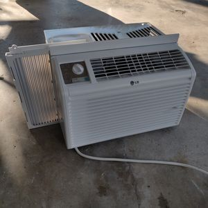 LG window unit ac for Sale in Houston, TX