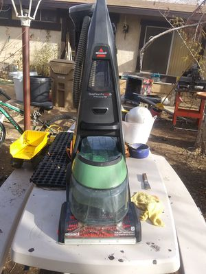 BISSELL CARPET CLEANER for Sale in Hesperia, CA