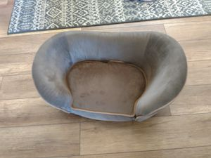 Deluxe small dog couch for Sale in Victorville, CA