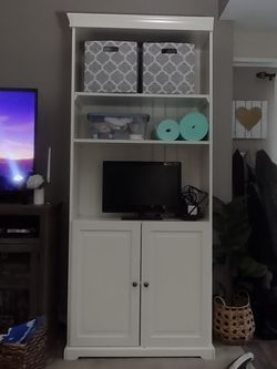 Ikea Bookshelves - White for Sale in Ontario,  CA