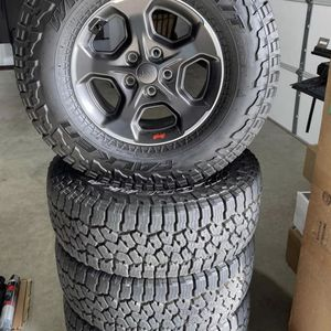 Jeep Factory Wheels And Tires for Sale in Grand Prairie, TX